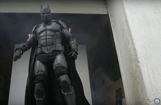 Batman Cosplayers Working Gadget Batsuit Wins Guinness World Record Image Credit Guinness World Records